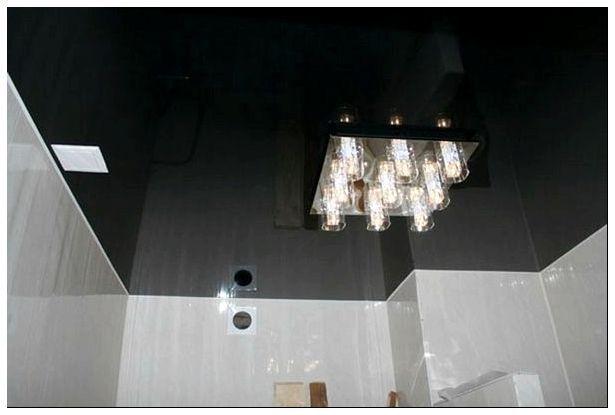 Фото: Черный французский потолок из глянца