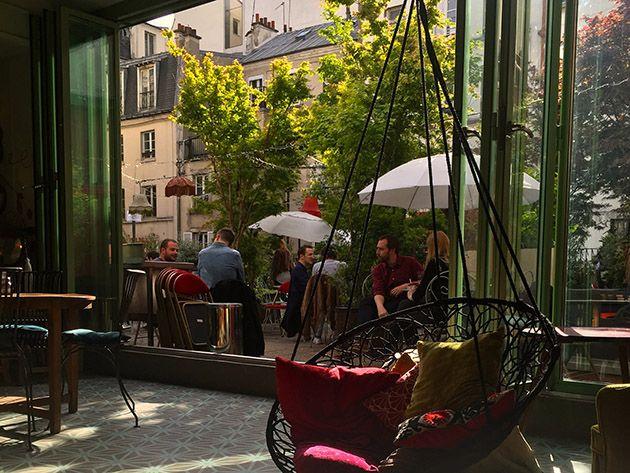Un sauna finlandais gratuit sur la terrasse du Moulin Rouge