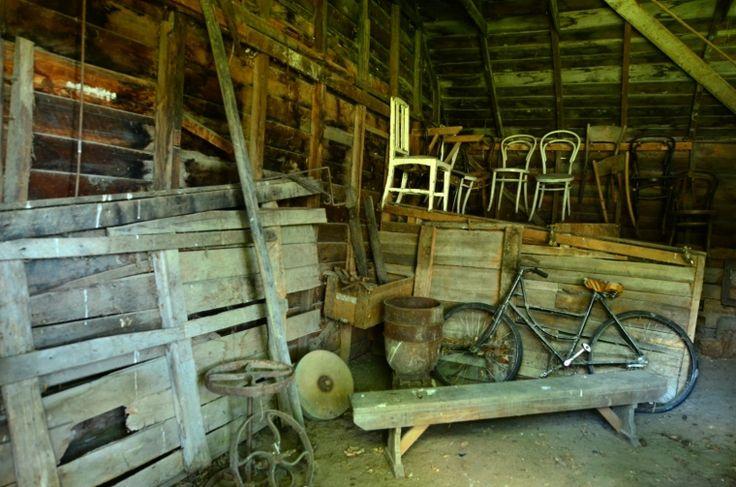 <p>I na staré půdě nebo ve stodole můžete narazit na hodnotné starožitné kousky. Foto:©Depositphotos.com/lucidwaters</p>