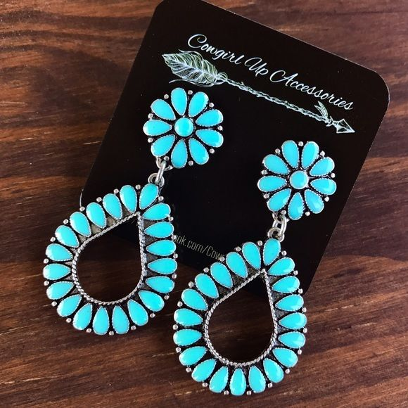 Shop Women's Blue size OS Earrings at a discounted price at Poshmark. Description: Brand new silver & turquoise earrings. Tags: country girl cowgirl jewelry boots western jewelry earrings Boho gypsy tribal Aztec Navajo southern southwest western rodeo cowgirl style miss me dojo. Sold by spinfashion. Fast delivery, full service customer support.