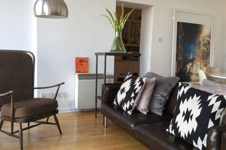 Check out this awesome listing on Airbnb: Zone 1/ single room / own bathroom - Flats for Rent