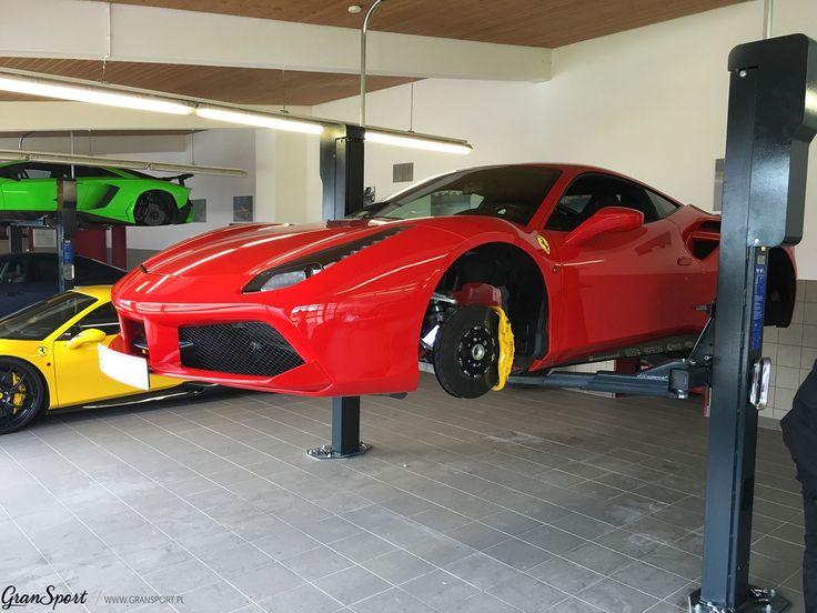 Trochę kolorów na ożywienie w poniedziałek czyli Samochodowe Skittles :)  Tak właśnie powstają kolejne projekty w serwisie NOVITEC GROUP. Czerwone lub żółte Ferrari 488, zielony Aventador SV czy może.. niebieskie Maserati?   Wszystkie produkty znajdziecie również u nas!  Oficjalny Dealer NOVITEC w Polsce GranSport - Luxury Tuning & Concierge http://gransport.pl/index.php/novitec.html