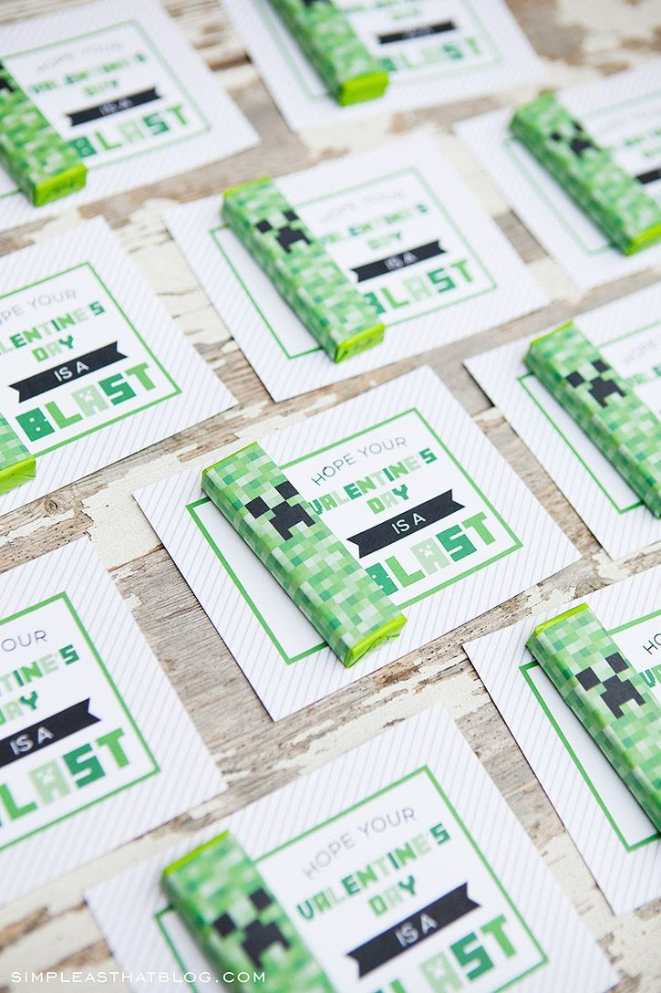 Free printable Minecraft valentines with creeper gum wrappers - from @rebeccacooper
