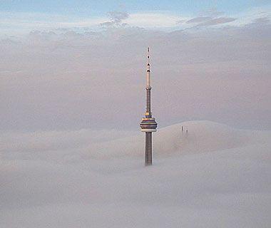 Beautiful Photos from Airplane Windows: Toronto's CN Tower