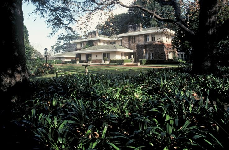 Coppins, in Telegraph Road Pymble, was originally named 'Crompton' and is also known as the Eric Pratten House. It was designed by architect Walter Burley Griffin (1876-1937) and built for Eric Herbert Pratten (1903-165) in 1935-36. It was one of Griffin's largest domestic commissions in Australia and was his last before leaving for India. Its completion was supervised by his associate Eric Nicholls.