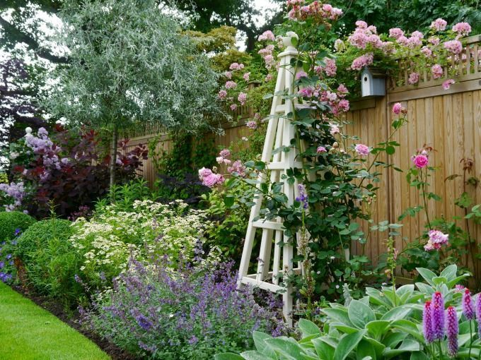 Portfolio of Janine Crimmins Garden Design based in Cheshire, winner of 4 RHS gold medals and best in show. Offering garden and landscape design in Cheshire, Staffordshire, Greater Manchester and across the North West #gardeningandlandscape