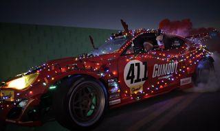 Αuto  Planet Stars: Ο Άγιος Βασίλης driftάρει μέσα στο Toyota GT86 με ...