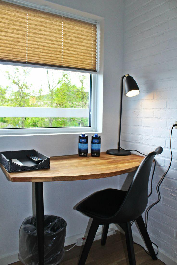 Skrivebord på alle værelser - Desk at all rooms