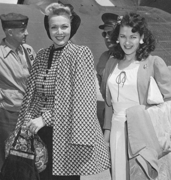Carole Landis and Yvonne De Carlo, 1944