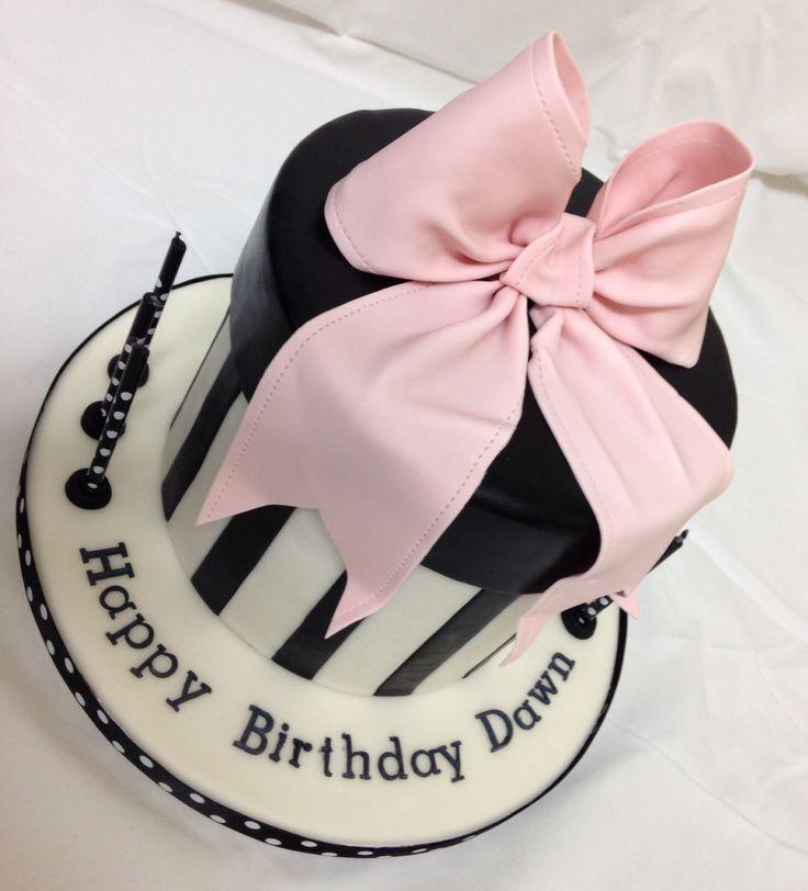Cake Gift Images : Round gift box cake with gum paste bow #black #white #cake ...