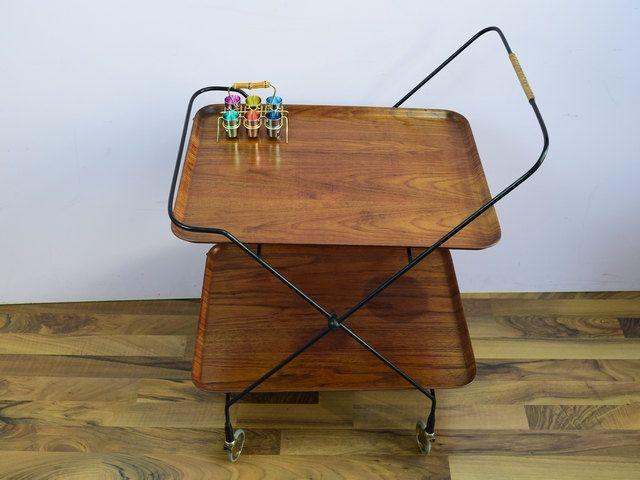 die besten 25 servierwagen vintage ideen auf pinterest goldener servierwagen teewagen und. Black Bedroom Furniture Sets. Home Design Ideas