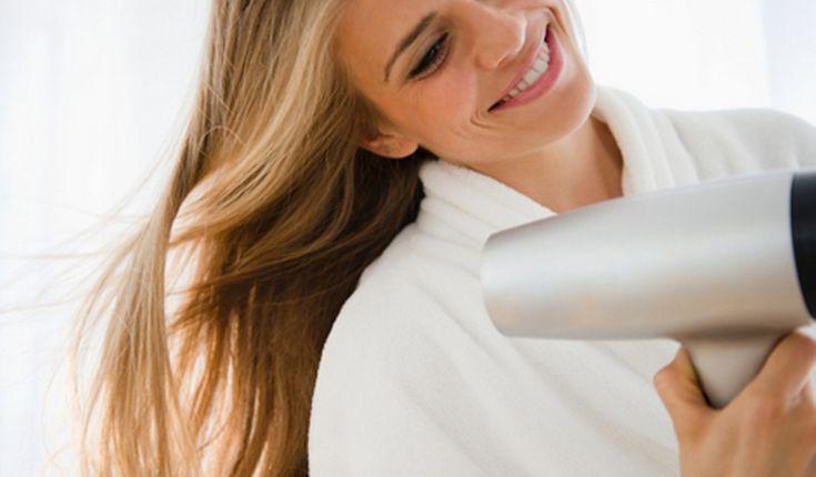 Nieuwe haarverzorging van Nivea: als je haar maar goed zit - http://www.planetfem.com/nieuwe-haarverzorging-van-nivea-als-je-haar-maar-goed-zit/ Nivea komt met een nieuwe haarverzorgingstechniek diehet haar de extra aandacht en verzorging geeft juist op die plekken waar het nodig is.Vanaf half oktober liggen alle nieuwe producten in een nieuwe verpakkingin de winkels. Het haar is voor onsvrouwen eenbelangrijke accessoire. Wanneer je ...
