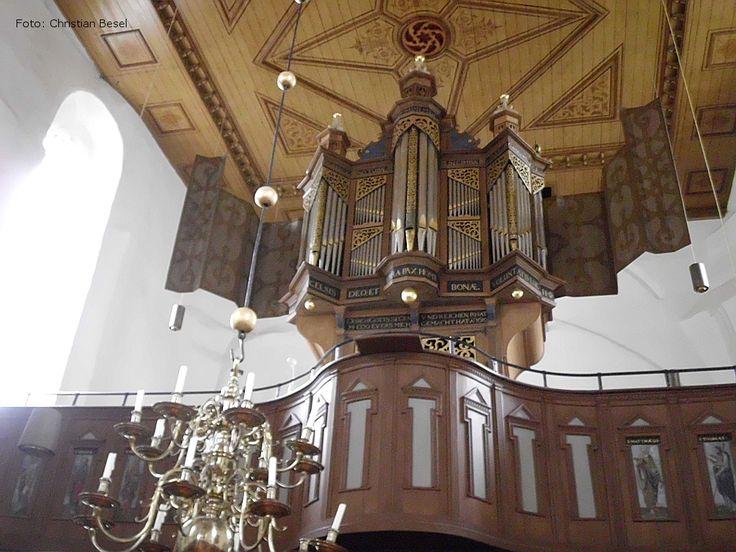 Das Portal der Königin - Osteel - Warnfriedkirche