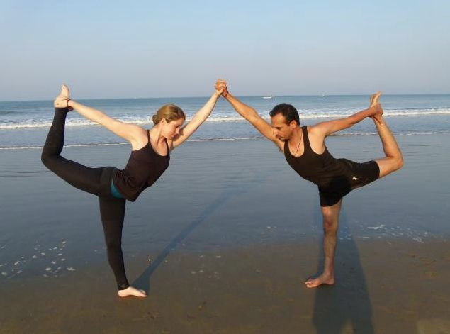 Lizzie Leggings in Goa with Himalaya Yoga Valley Team