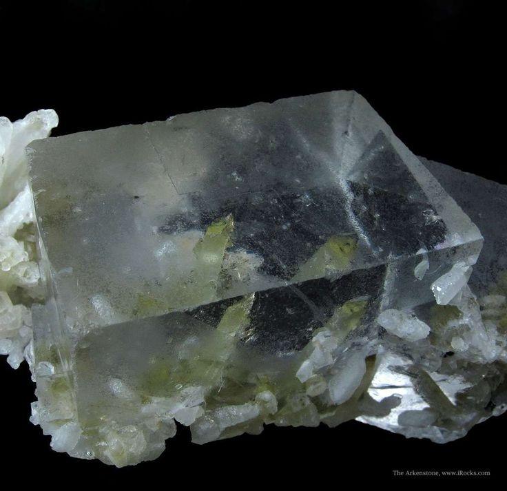 Fluorite and Quartz from Nikolai Mine, Dal'negorsk, Primorskiy Kray, Far-East Region, Siberia, Russia [http://img.irocks.com/2014-updates/OB...
