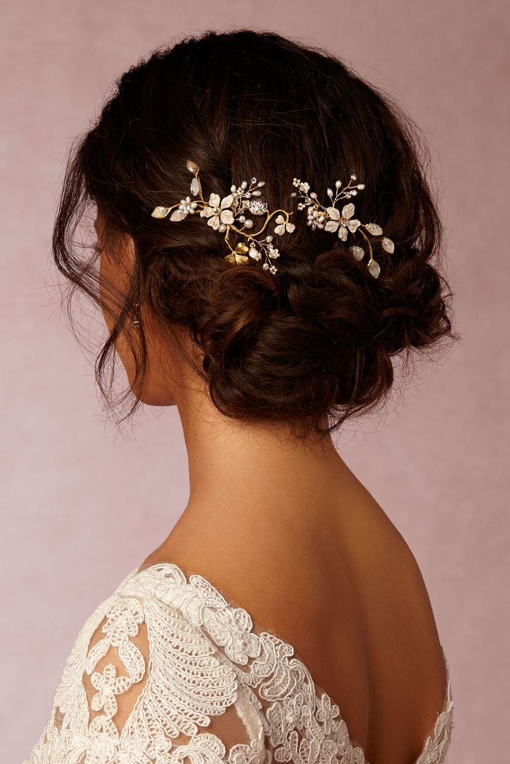Wedding accessories for hair and Messy bridal hair