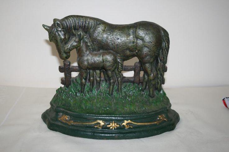 """A super Cast Iron Doorstop of a Mare & Foal"""" Doorstop. Very heavy weighing 4.2kilos."""