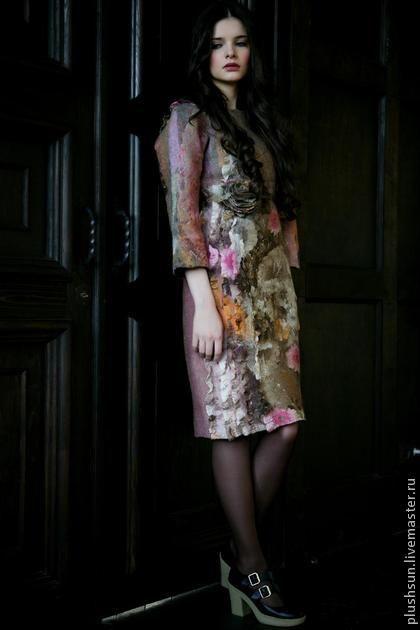 Валяное платье «Под солнцем Тосканы». Уютное платьице на каждый день. Когда его делала, смотрела мой любимый фильм, пила ароматный капучино и наслаждалась ярким зимним солнцем.  Наверное, поэтому оно получилось такое солнечное и душевное.