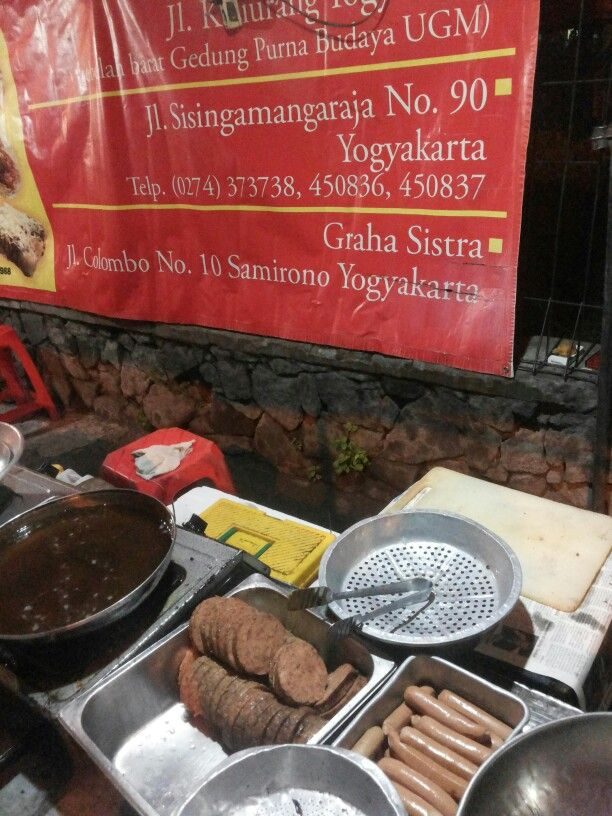 Monalisa'a Burger @Yogyakarta. Home made meat burgers and hot dogs near by UGM