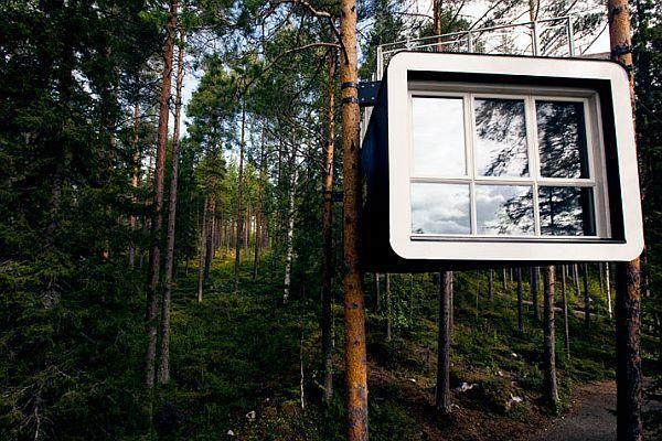 Por $550 dólares tenha um dia inesquecível á 40 m de altura do chão em um hotel na arvore localizado nas vastas florestas da Suécia.