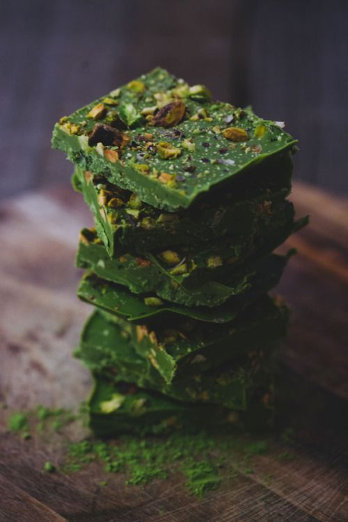 Matcha chocolate with pistachios - by Sonia Yuno / viscerias