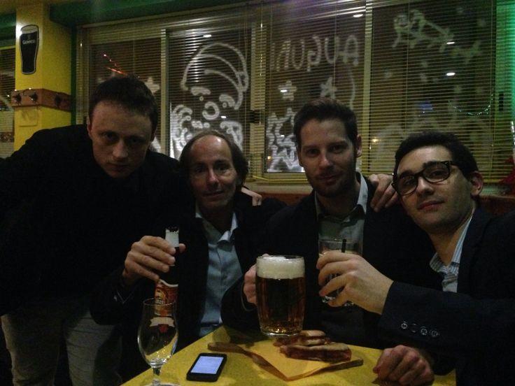 Dopo la prima Direzione del PD Padova Città. Un momento conviviale con il segretario Antonio Bressa, Matteo Corbo ed Ettore Tamà.