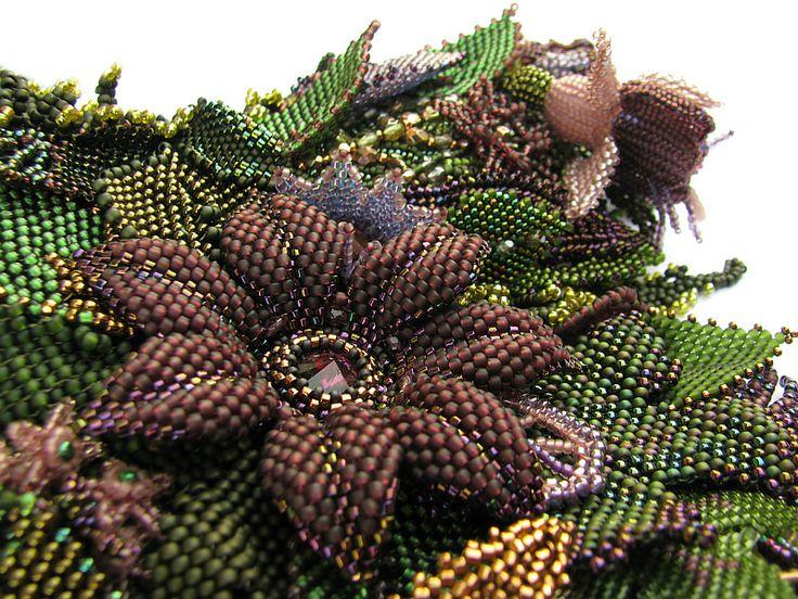 FOREST OF DESIRE - Leśna kolia z kwiatów i liści