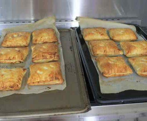 Recipe Cheese and Onion Pasties (Like Greggs the Bakers Scotland) by Gilli G Thermo - Recipe of category Baking - savoury