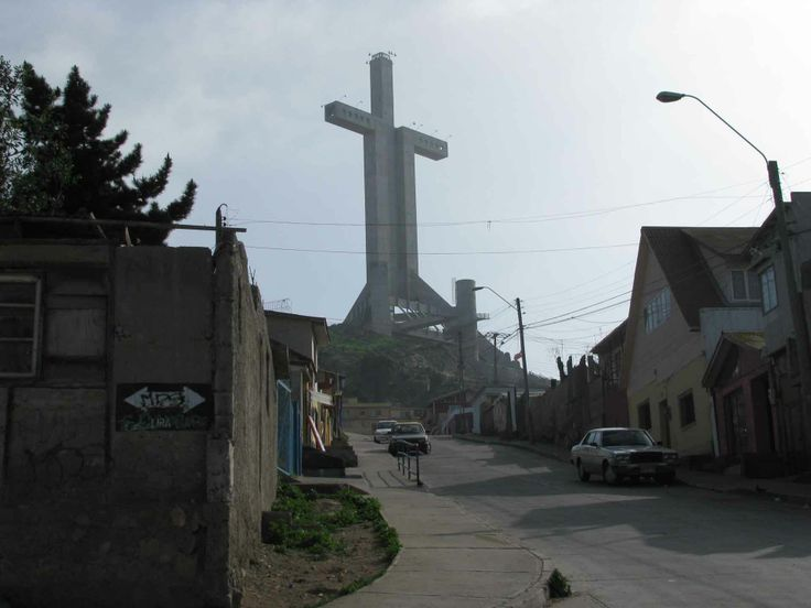 Cruz del tercer milenio en Coquimbo. // The Third Millenium Cross in Coquimbo. (IV Región)