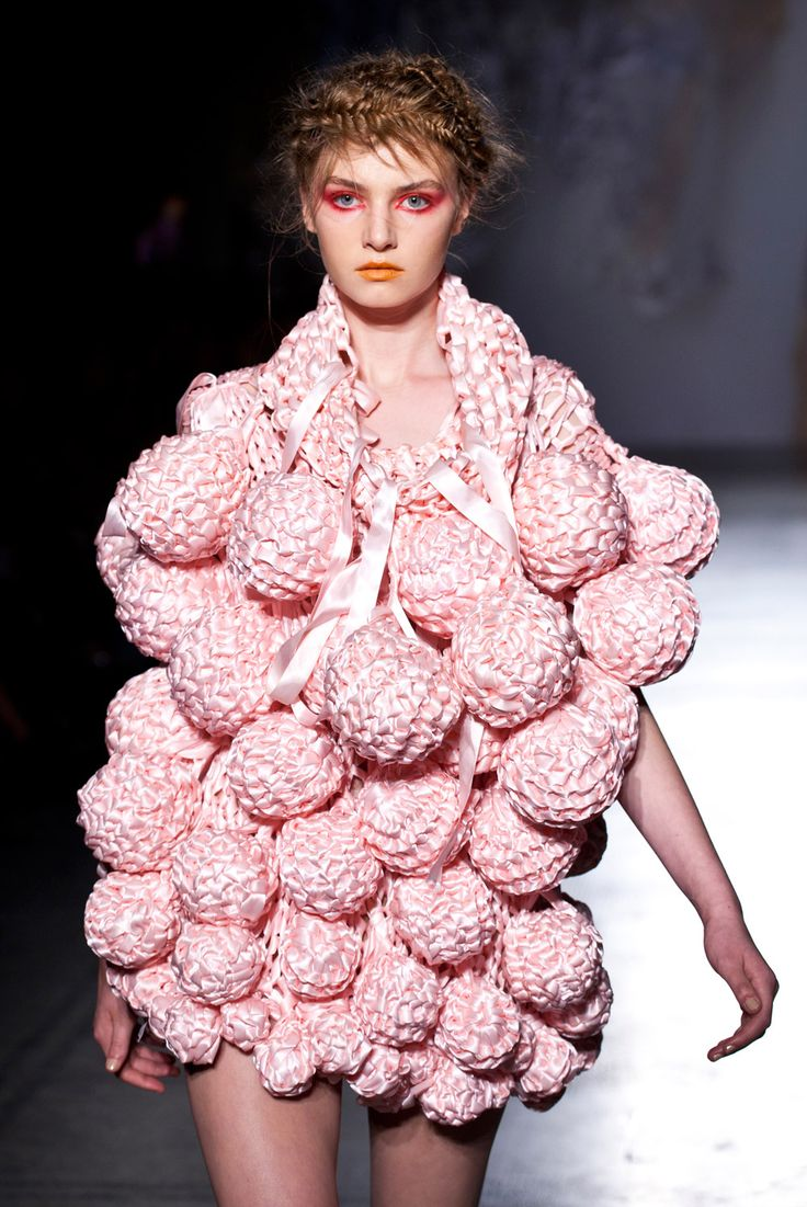 Fashion in Motion: Craig Lawrence, July 2012 | Victoria and Albert Museum #catwalk #fashion #knitting