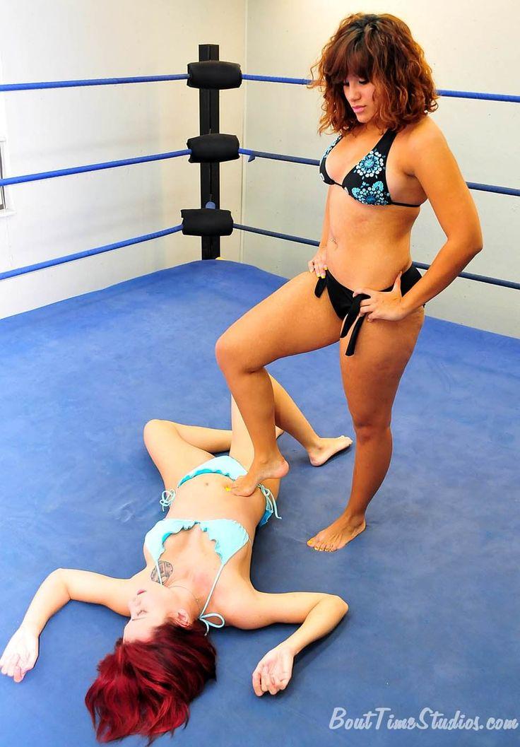 Boxing blonde vs brunette beat down 3