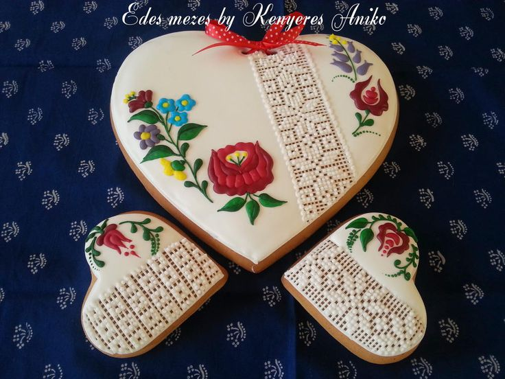 Hungarian folk gingerbread | Cookie Connection