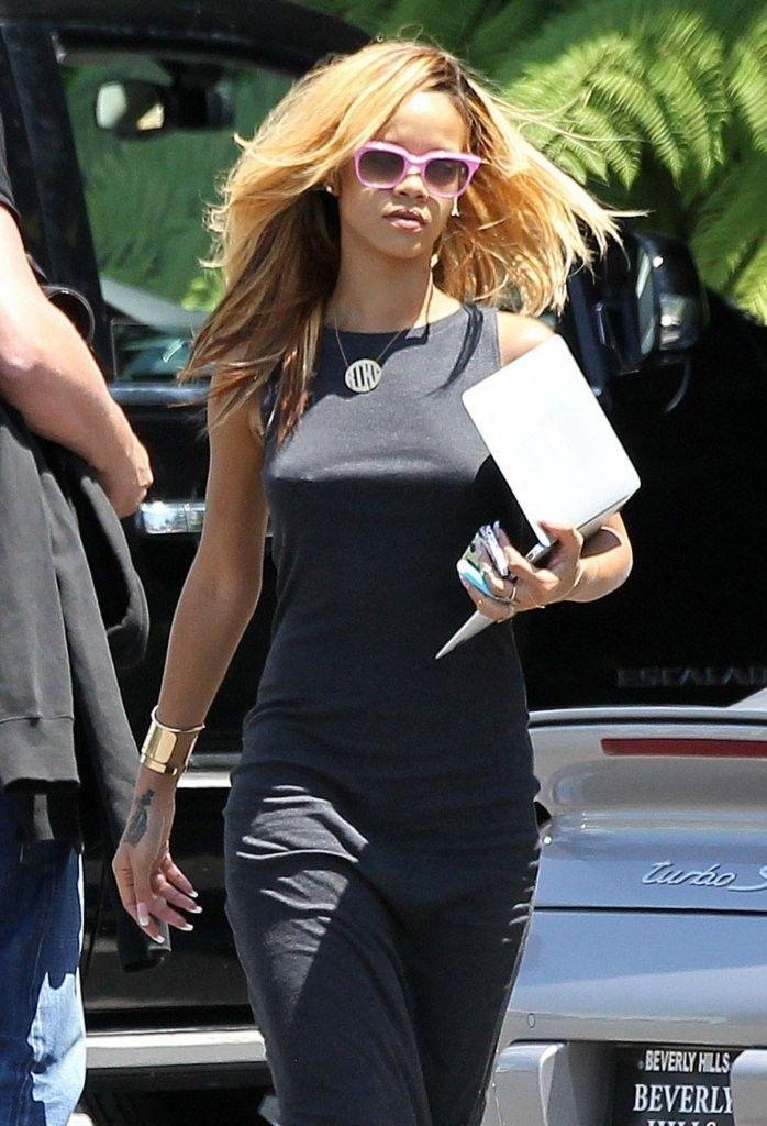 Rihanna hits the recording studio