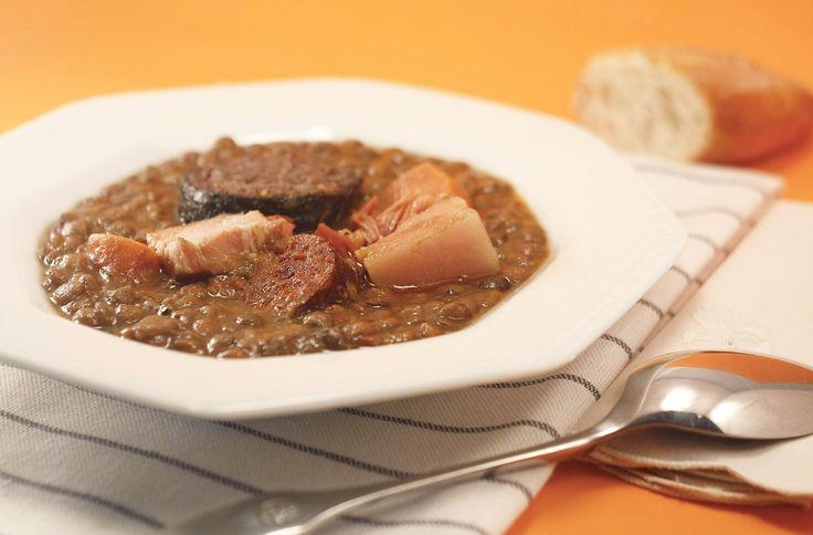 Receta de lentejas estofadas en Crock Pot. Receta paso a paso con imágenes y recomendaciones de elaboración. Recetas de legumbres en slow cooker.
