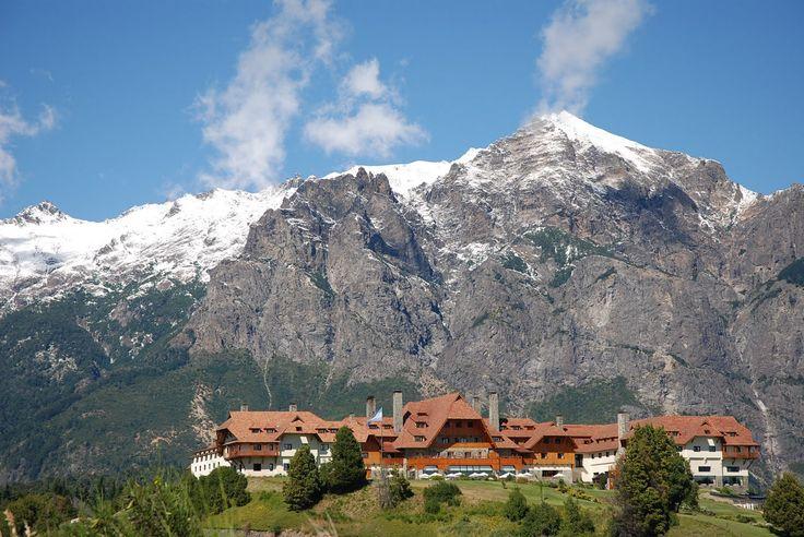 """""""""""Hotel LLao LLao"""""""" el lujoso hotel construido por el arquitecto Bustillos, es una fusion entre lo clasico y moderna de las arquitecturas de la patagonia. Su vista da frente al Nevado Cerro Tronador y a sus pies el Lago Moreno. Bariloche, provincia de Rio Negro, Argentina"""