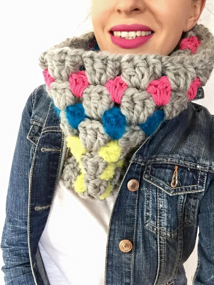 Super bulky and super soft handmade cowl - crocheted by hand by Petit Moricz