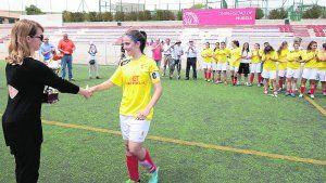 El torneo de fútbol femenino corona al Real Murcia http://www.laverdad.es/murcia/v/20140514/region/torneo-futbol-femenino-corona-20140514.html