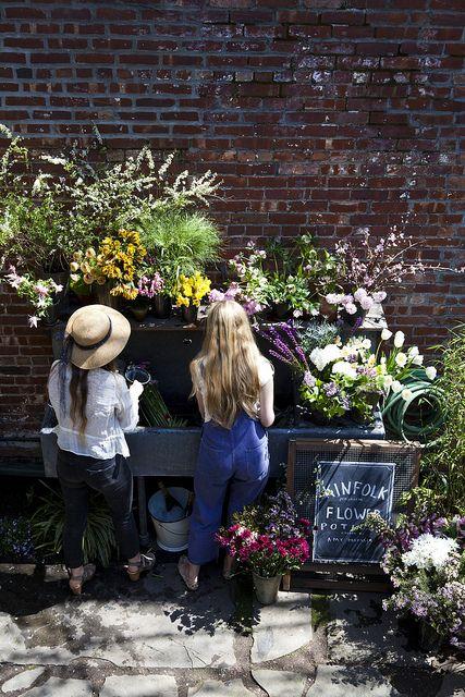 [Kinfolk Magazine's flower pot-luck | Amy Merrick by Nicole Franzen Photo.]