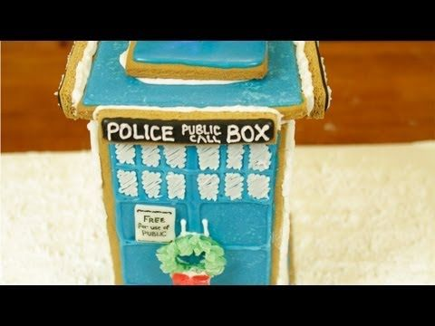 DR. WHO TARDIS GINGERBREAD HOUSE