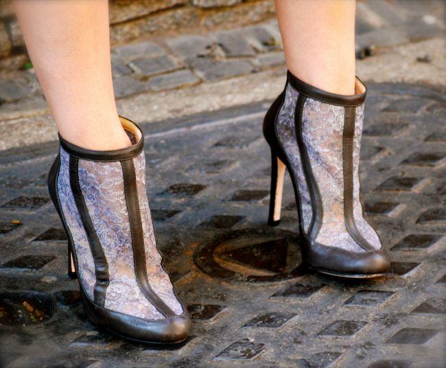 LOOK: GREY sur WHITE #guilherminashoes #boots #helenabranquinho