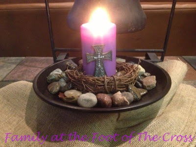 Lent Decoration ideas -Family At The Foot Of The Cross