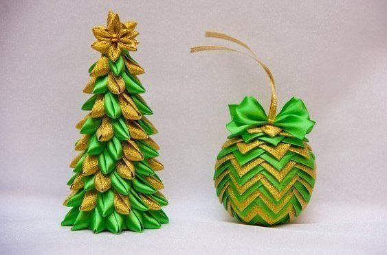 24 Extraordinary Christmas Trees Designed to Make Yours | Picturescrafts.com