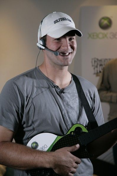 Tony Romo Photos Photos - Dallas Cowboys quarterback Tony Romo plays Guitar Hero III on the Xbox 360 Live system at Terence Newman's home October 23, 2007 in Dallas, Texas. - Dallas Cowboys And Guitar Hero III At Home Of Terrance Newman