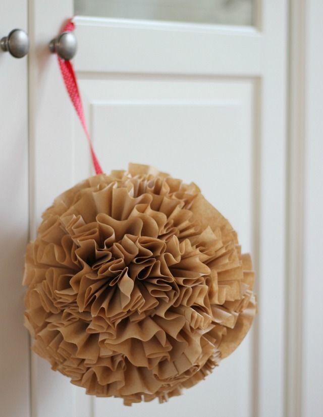Do it yourself: enorme kerstbal van koffiefilters!