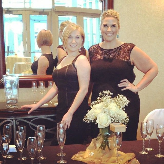 We're ready for the Leadership Richardson Alumni Association's 25th Anniversary Diamonds and Champagne Celebration. A $50 donation to the organization for a chance to win a $6500 diamond... And unlimited champagne poured by Tera and Pamela.  #pampilloniajewelers #diamondsandchampagnecelebration #joinourstory