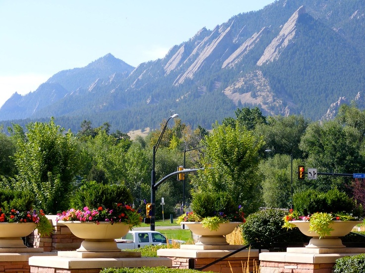 Boulder | St Julien Hotel & Spa, Boulder: Great for drinks or a 'special' night away. Far enough from town but yet still close ;-)
