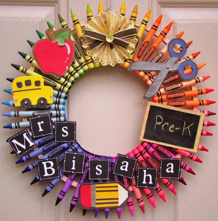 teacher wreath/Crafty Creations by Jill: Crayon Wreaths