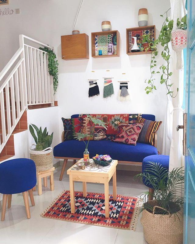 Pindah2 posisi ruang tamu  . . . . . . . . #rumahinayainara #smallhouse…