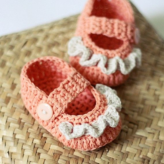 #crochet #pattern #ruffle #baby #booties