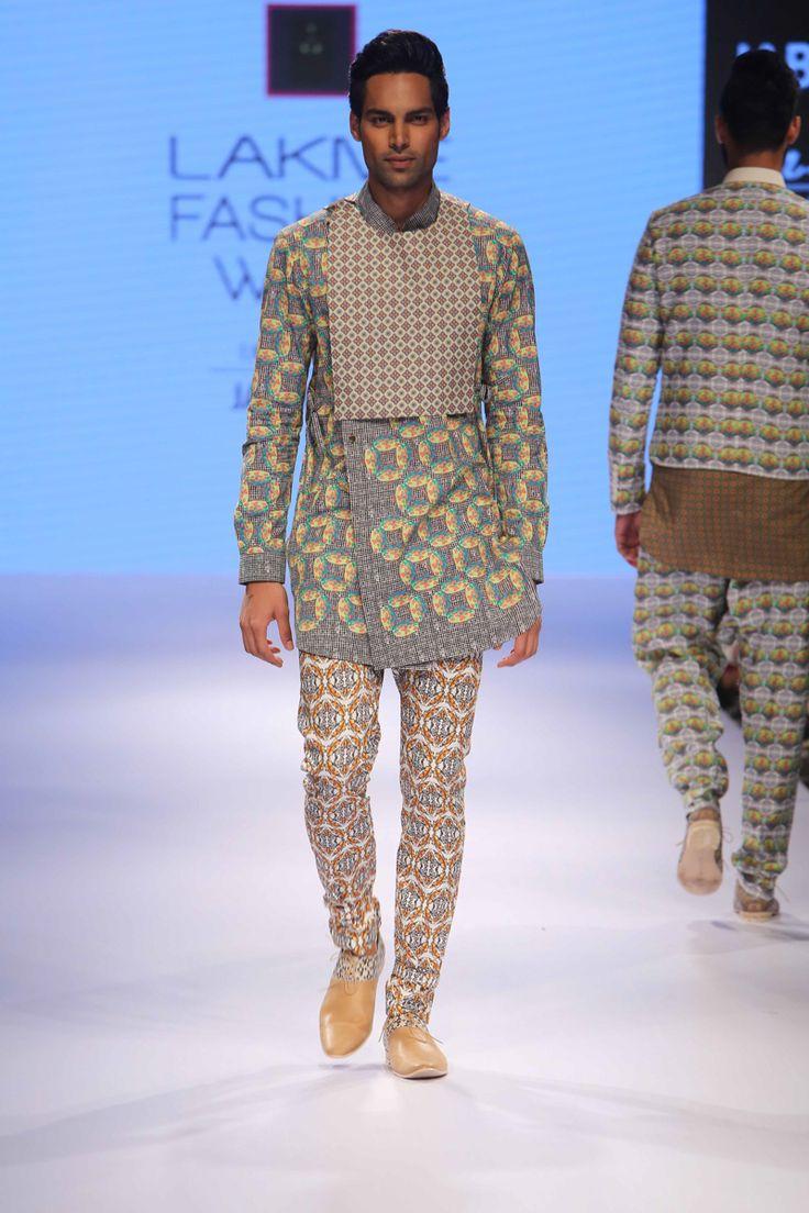 Lakmé Fashion Week – AJAY KUMAR AT LFW WF 2015